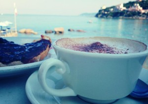 Colazione con classica vista mattutina