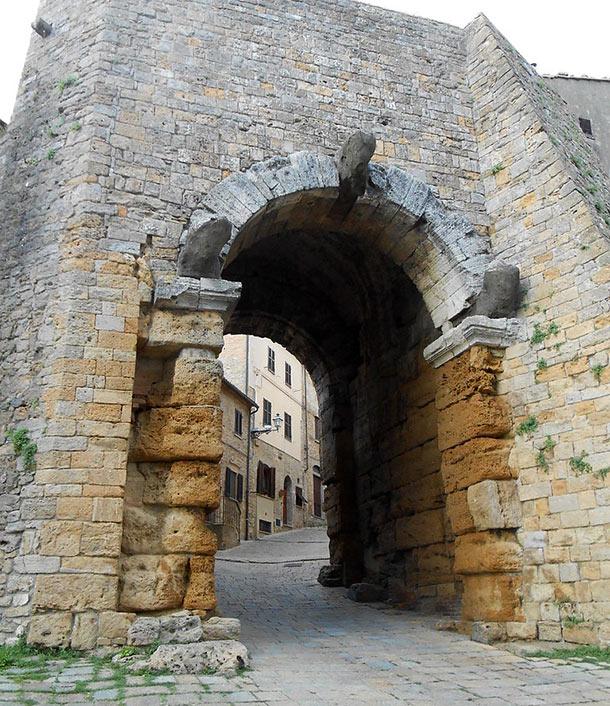 La Porta dell'Arco