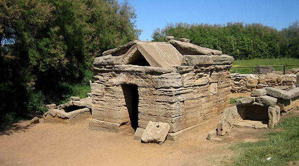 Tomba a edicola del Bronzetto